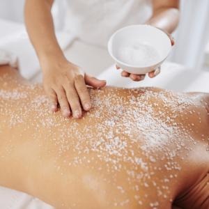 ocean-breeze-90min-massage-Voucher-The-Reef-House-Palm-Cove-Boutique-Hotel-QLD