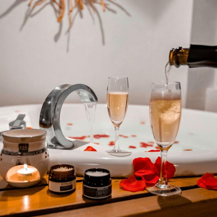Reef House Romantic Escape Voucher Verandah King Spa Suite