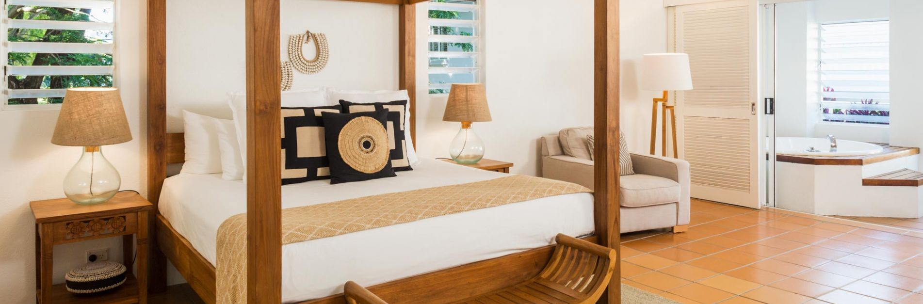80-29062018181826-0-379-1999-658-1903x627-cropped-verandah-king-spa-suite-bed